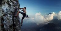 Klettergurt Hüfte Taille : Klettergurte: was gibt es da zu beachten?